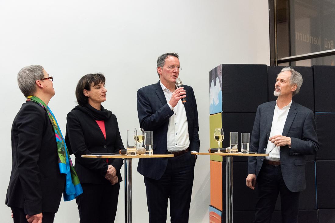 Annette Müller (links) und Johannes Kohl (rechts) moderierten die äußerst informative Diskussion mit Bau- und Kulturdezernentin Marianne Grosse und Oberbürgermeister Michael Ebling. (Foto: Markus Kohz)